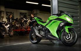 Kawasaki Ninja 300 đắt hơn cả KTM 390 Duke