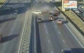 Phanh gấp, xe SUV gây tai nạn liên hoàn