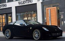 """Ferrari 599 GTB Fiorano """"nổi bần bật"""" với bộ cánh nhung đen"""