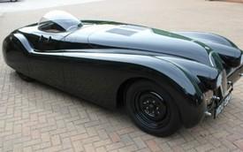"""Jaguar XK120 huyền thoại """"ngốn"""" 900.000 USD tiền phục chế"""