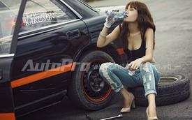 Khi mỹ nữ sửa xe