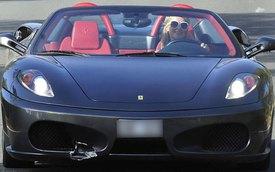 """""""Nữ hoàng tiệc tùng"""" Paris Hilton phá siêu xe đi mượn"""