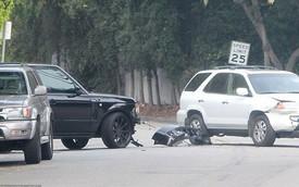 David Beckham gây tai nạn ngay trước cửa nhà