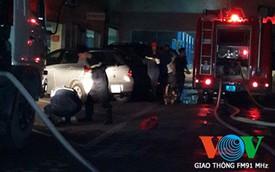 Xưởng dịch vụ của Toyota Láng Hạ bốc cháy trong đêm