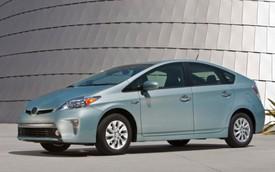 Toyota Prius Plug-in Hybrid 2014 bất ngờ giảm giá
