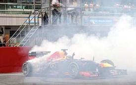 Đương kim vô địch F1 bị phạt cả đống tiền vì... đốt lốp