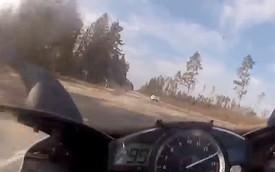 Yamaha R1 đuổi theo Mercedes-Benz SL63 AMG ở 299 km/h