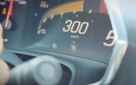 Xem Chevrolet Corvette Stingray 2014 đạt vận tốc 300 km/h