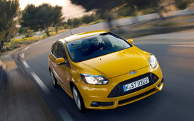 Ford Focus ST - Xe yêu thích của người trẻ và giàu