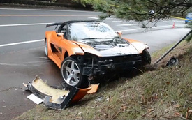 Mazda RX-7 lao vào đám đông, bé 5 tuổi bị thương
