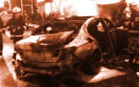 Suýt chết cháy trong xe BMW vì... mải chơi điện tử