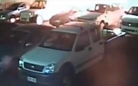 Hút thuốc khi ăn trộm xăng, phóng hỏa hàng loạt xe