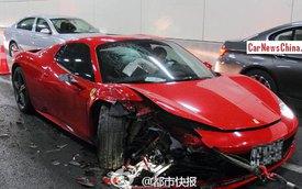 """Ferrari 458 Spider """"toác đầu"""" vì phóng nhanh trong đường hầm"""
