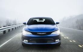 Chrysler 200 2015 tiết kiệm nhiên liệu bất ngờ
