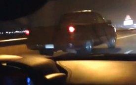 "Ferrari 458 Italia ""ngửi khói"" xe bán tải GMC Sierra"