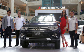 Mitsubishi Pajero Sport máy xăng mới có giá 42.000 USD