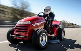 Máy cắt cỏ Honda dùng động cơ môtô đạt kỷ lục tốc độ