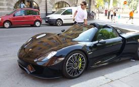 Sao bóng đá Zlatan Ibrahimovic lái siêu xe đắt tiền mới tậu
