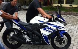 """Nghe tiếng """"nẹt pô"""" của môtô thể thao Yamaha R25 mới"""