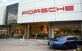 Đại lý Porsche dùng hổ sống để quảng bá SUV mới Macan