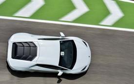 """Siêu xe """"giá rẻ"""" Lamborghini Huracan có phiên bản đua Super Trofeo"""
