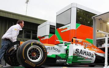 """Chuỗi cung ứng """"thần kỳ"""" của giải F1: Tối Chủ Nhật còn đua tại Trung Đông, sáng thứ Tư đã sẵn sàng ở Trung Quốc"""
