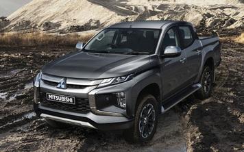 Mitsubishi lại đem xe cho khách Việt 'phá' tại Hà Nội