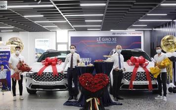 Trung vệ Đình Trọng rủ hậu vệ Trần Văn Kiên sắm liền 2 chiếc Hyundai Santa Fe 2021 giống hệt