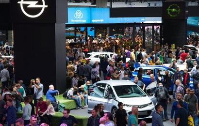 Triển lãm Frankfurt dần nguội lạnh - Bước chuyển mình của triển lãm xe đã tới