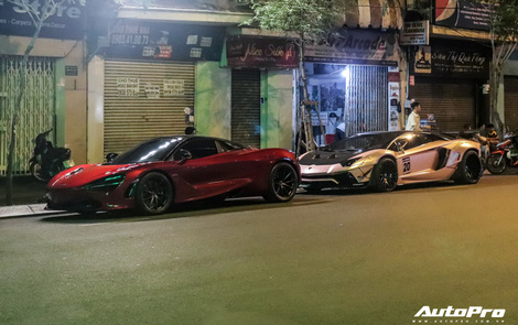 Hứa Hà Phương lần đầu cầm lái McLaren 720S Spider tới 'thánh địa siêu xe' Sài Gòn, hội họp với một 'siêu phẩm' khủng không kém lúc nửa đêm