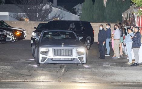 Justin Bieber cuối cùng đã lột xác: Cưỡi siêu xe 7,6 tỷ đi lượn phố cùng bà xã, nhan sắc hoàng tử nhạc Pop trở lại rồi!