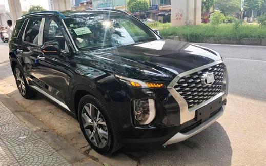 Bóc tách trang bị Hyundai Palisade vừa về đại lý: SUV 8 chỗ, nhiều chi tiết mới lạ so với Santa Fe
