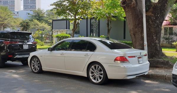 """Chủ xe bán BMW 750Li 2006 giá 250 triệu đồng, cư dân mạng bình luận: """"Mua xe này phải có bản lĩnh"""""""