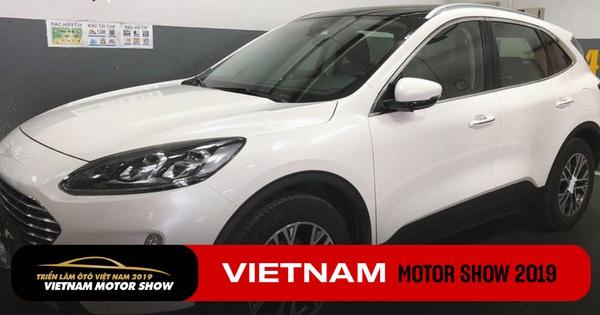 HOT: Ford Escape 2020 đầu tiên về Việt Nam, nhiều công nghệ hiện đại, giá sẽ không rẻ
