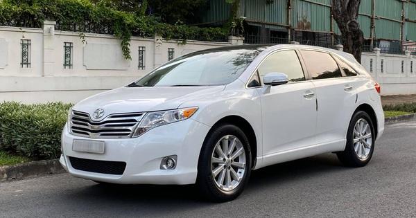 Toyota Venza đời 2010 được rao bán với giá 760 triệu đồng – xe crossover 5 chỗ vang bóng một thời