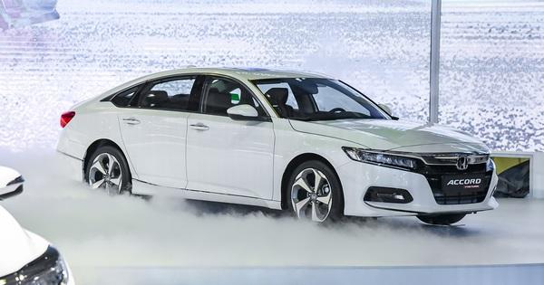 Honda Accord lần đầu bán vượt Mazda6 tại Việt Nam – khi giá rẻ không đủ tạo lợi thế