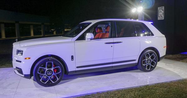 Rolls-Royce Cullinan Black Badge chốt giá hơn 37 tỷ đồng – SUV siêu sang cho đại gia trẻ Việt Nam
