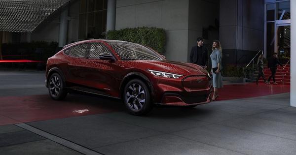 Ra mắt Ford Mustang Mach-E: SUV thuần điện xác Ngựa hoang, hồn Explorer