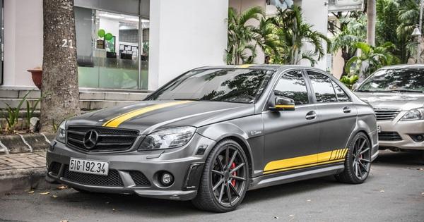 Mới mua xe 1 năm, đại gia Việt đã chia tay Mercedes-Benz C63 AMG độc nhất Việt Nam với giá hơn 1 tỷ đồng