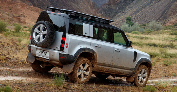 Land Rover phát triển siêu sang Defender đấu Maybach GLS