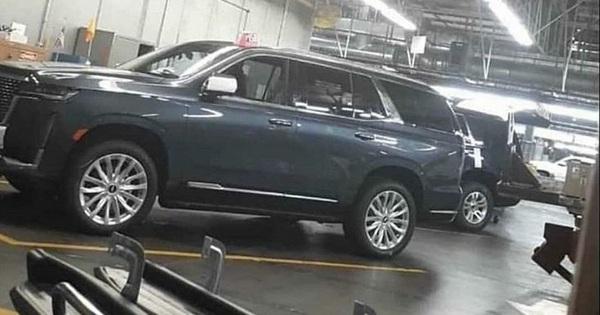 """Lộ nội, ngoại thất """"khủng long"""" Cadillac Escalade mới đối đầu Mercedes-Benz GLS"""