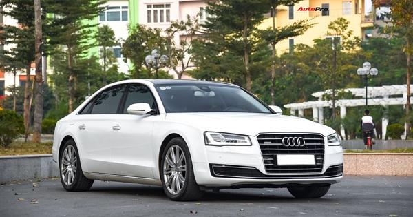 Audi A8L xuống giá còn hơn 2,7 tỷ đồng sau hơn 53.000 km – lựa chọn cho đại gia chán Mercedes-Benz S-Class và BMW 7-Series