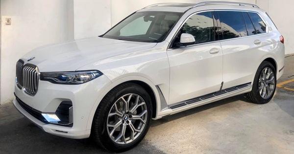 BMW X7 chính hãng hạ giá hàng trăm triệu đồng trước sự cạnh tranh của xe nhập tư giá rẻ