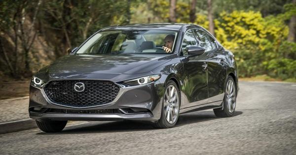 Mặc kệ lỗi phanh, Mazda3 vẫn liên tiếp giật giải Xe của năm, xếp ngang hàng loạt xe sang đình đám