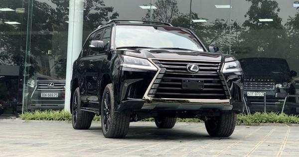 Đại gia Việt mạnh tay chi cả chục tỷ đồng sắm Lexus LX570 bản đặc biệt: Có hàng hiếm sản xuất giới hạn trên thế giới