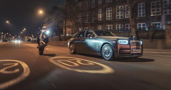 """Rolls-Royce nói không với công nghệ hybrid để """"nhảy cóc"""" phát triển xe điện"""