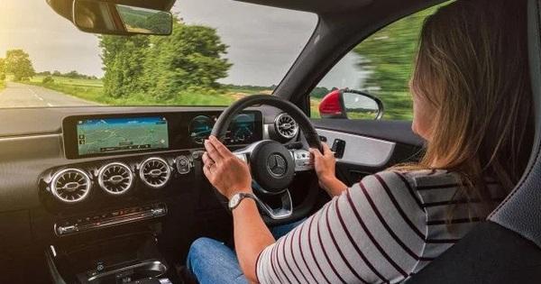 Mercedes-Benz đang ầm thầm theo dõi người dùng?