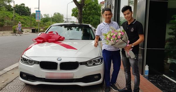 """Ông bố sinh năm 1996 đã có 3 con """"tậu"""" xe lướt BMW 320i giá 1,2 tỷ đồng khiến nhiều người trầm trồ"""