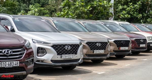 Dàn xe hơn 100 chiếc Hyundai nối đuối nhau đi sự kiện ở Sài Gòn