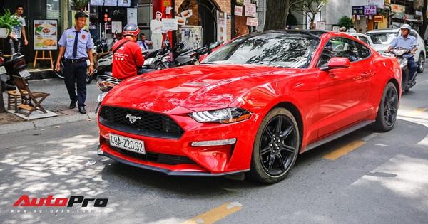 Sau 1 năm ra biển, đại gia Lâm Đồng bán lại Ford Mustang rẻ ngang Mercedes-Benz E-Class thế hệ mới